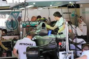 Mercedes-Garage-Activity-Barcelona-2012