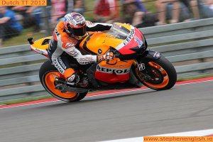 Casey-Stoner-corner-entry-Assen-MotoGP-Race-2012