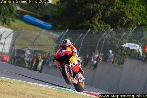 Casey-Stoner-wheelie-2-Mugello-MotoGP-warmup-2012