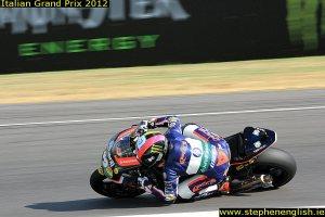 Pol-Espargaro-knee-down-2-Mugello-Moto2-Warmup-2012