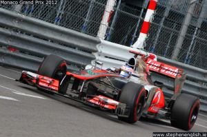Jenson-Button-sweimming-pool-entry-Monaco-FP2-2012