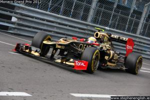 Romain-Grosjean-swimming-pool-entry-2-Monaco-FP2-2012