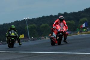 Andrea Dovizioso Cal Crutchlow Le Mans MotoGP Race 2013 (2)