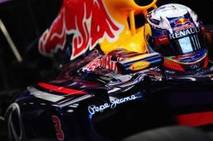 Daniel-Ricciardo-Melbourne-Friday-2014-(15)