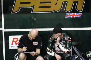 michael-laverty-phil-borley-qatar-motogp-fp2-2014